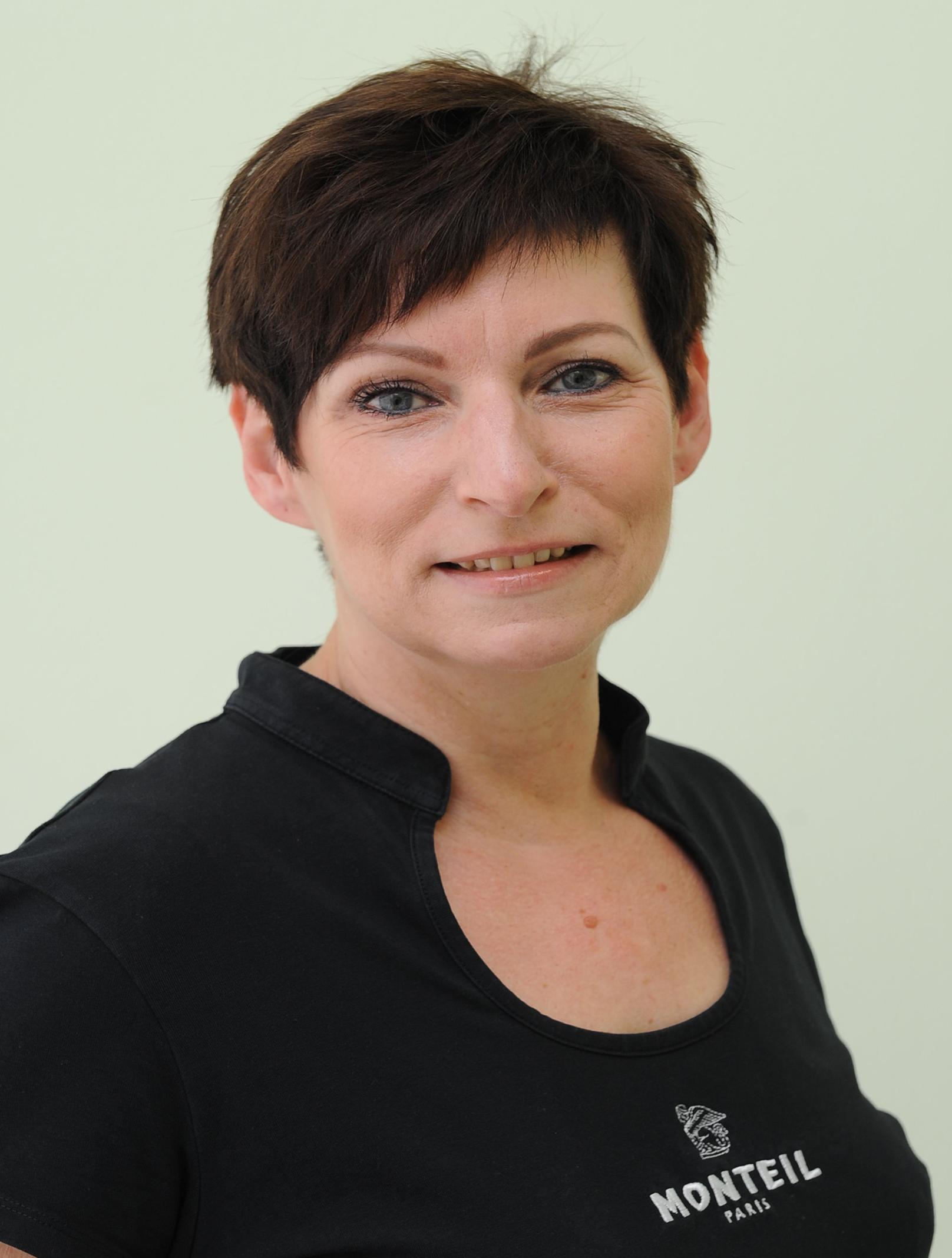 Veronika Menzl